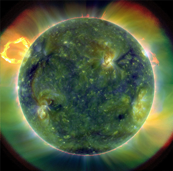 SDO首次发回的太阳影像之一  One of stunning images from SDO